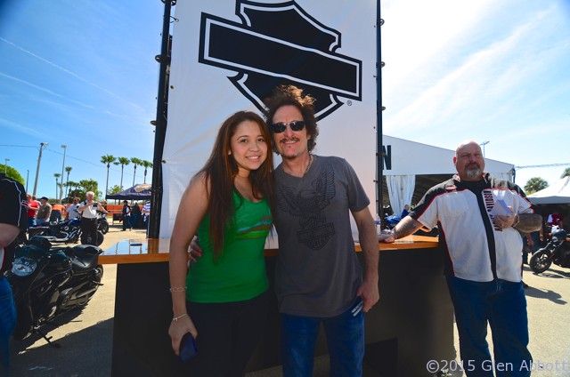 Sons of Anarchy's Kim Coates greets fans